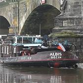 Nákladní loď Albis úspěšně vyproštěna