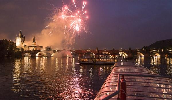 Silvestrovská plavba na lodi Grand Bohemia