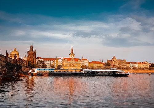 Pravidelné plavby v Praze